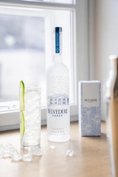 Belvedere Vodka Aktion mit zwei Gläsern